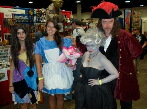 Comic_Con-Tampa-GameTime-Alice-in-Wonderland-Esmerelda-Little-Mermaid-Pirate